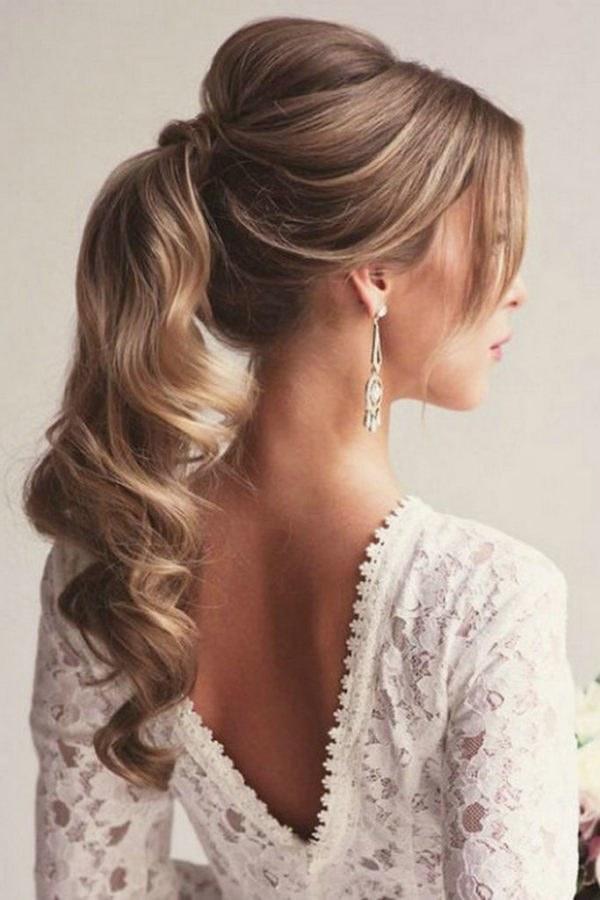 Elige Tu Peinado De Acuerdo A Tu Vestido De Graduación